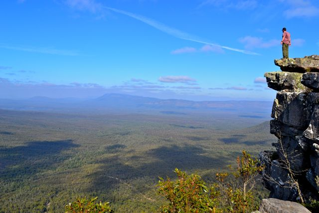 Reed Lookout, the Grampians cliff edge