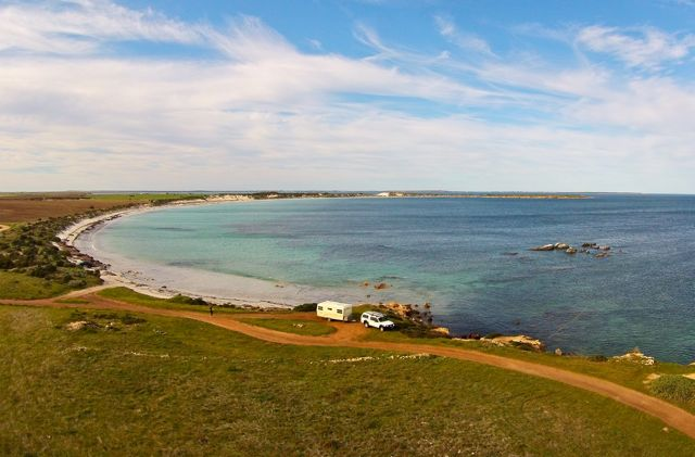 moonlight-bay-eyre-peninsula-caravan-drone-1